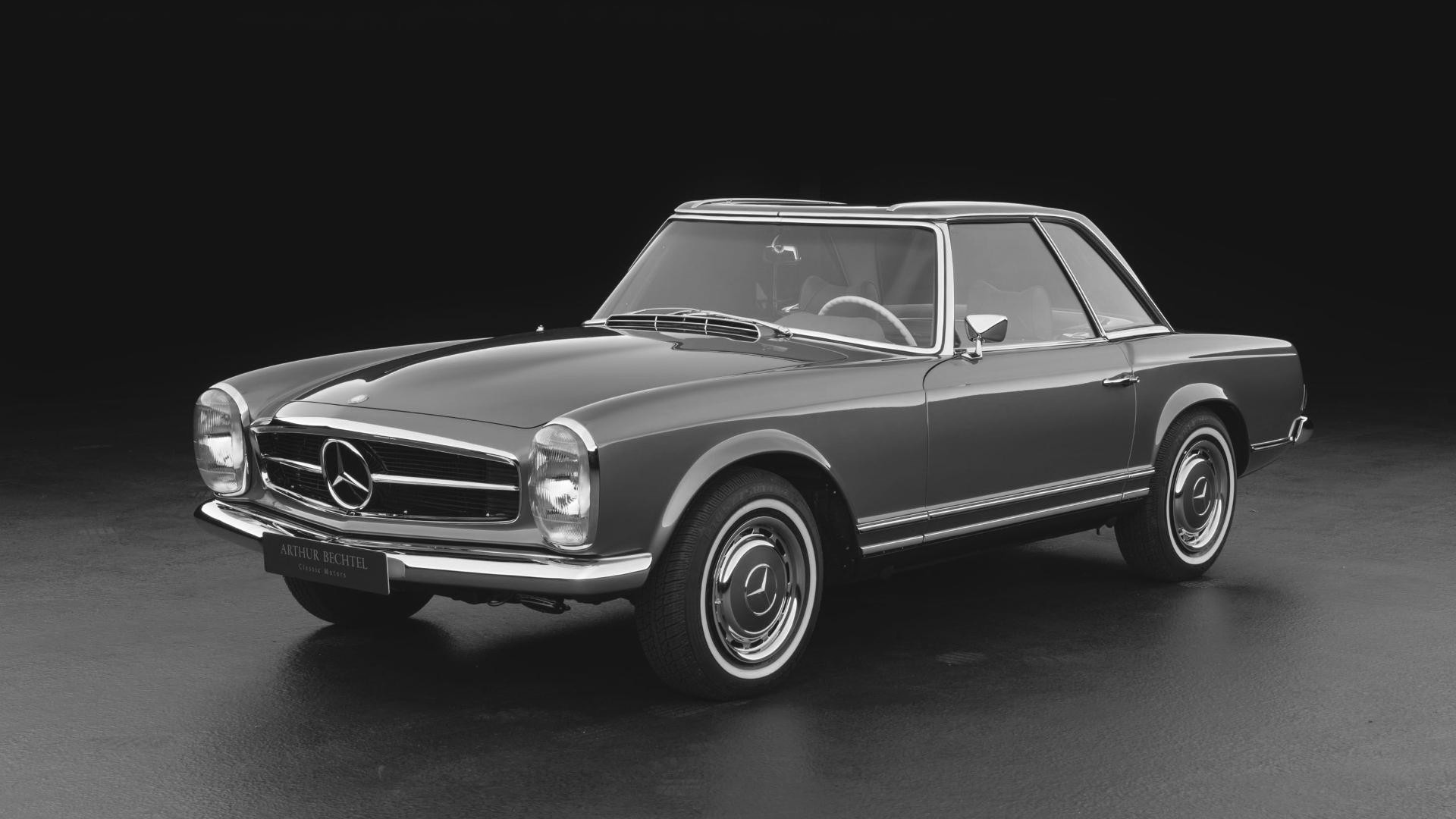 Classic Mercedes Benz 280SL maintenance and service